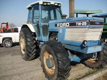Used Ford TW25 (TRAC
