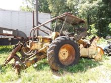 JOHN DEERE 440 FOR PARTS Skidde