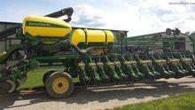 John Deere DB60 Planters