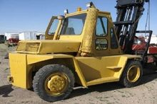1975 CATERPILLAR V180 Forklifts