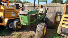 JOHN DEERE 2150 Tractors