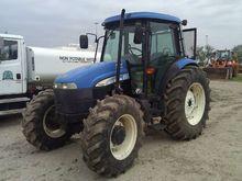 2007 New Holland TD95D Tractors