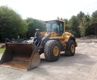2011 VOLVO L120G Loaders
