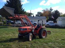 2009 KIOTI Dk40 Tractors