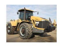 2005 CHALLENGER MT945B Tractors