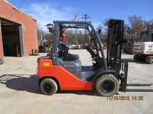 2015 Toyota 8FGU25 Forklifts