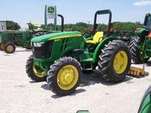 2015 JOHN DEERE 5065E Tractors