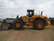 2011 VOLVO L220G Loaders