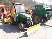 JOHN DEERE 4110 Compact tractor