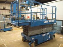 2005 GENIE GS3246 Scissor lifts