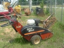 2002 DITCH WITCH 1030 Excavator