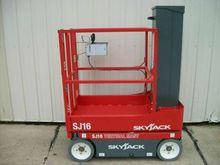 2016 Skyjack SJ16 Work platform