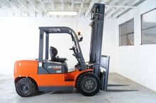 FD40 EQUIPMENT FORKLIFTS