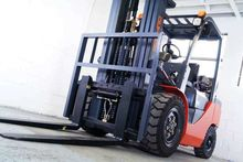 FD35 EQUIPMENT FORKLIFTS