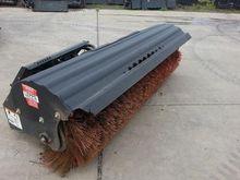 2013 BOBCAT Attachment Sweeper