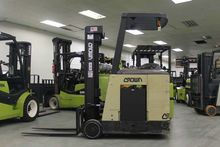 2004 Crown RC3020-30 Forklifts