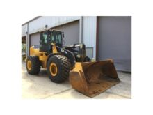 John Deere 644K Loaders