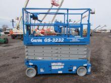 2008 GENIE GS3232 Scissor lifts