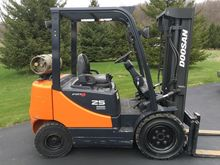 2007 DOOSAN G25E-5 Lifts