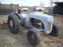 1957 FORD 9N Tractors