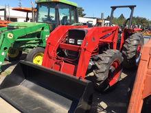 MASSEY FERGUSON 390 Tractor loa
