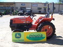 KUBOTA L2800 Compact tractors