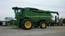 2012 JOHN DEERE S670 Combines