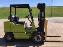 CLARK GPS25 Forklifts