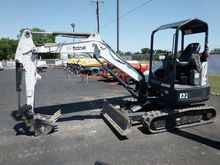 2011 Bobcat E32 Mini excavators
