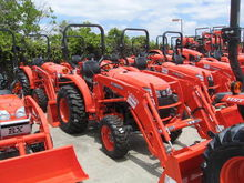 2017 KUBOTA L3301 Loaders