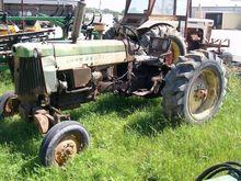 1960 JOHN DEERE 435 Tractors