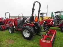 2017 MAHINDRA Max 26 XL Tractor