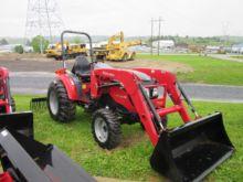 2017 MAHINDRA 1538 Tractors