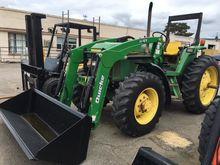 JOHN DEERE 6200 Tractor loaders