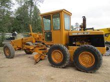 Used 1975 DEERE 570A