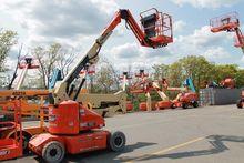 2012 JLG E400AJP Booms