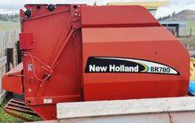2004 New Holland BR780 Hay equi