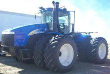 2011 New Holland T9040 Tractors