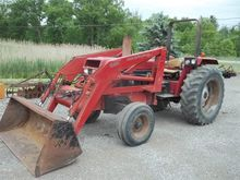 CASE IH 695 Tractors