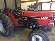 1989 CASE IH 385 Tractors