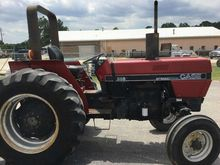 1987 Case Ih 585 Compact Tracto