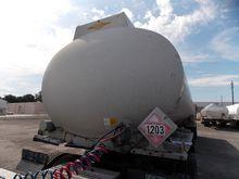 1997 BEALL 9500 Gallon Tanker