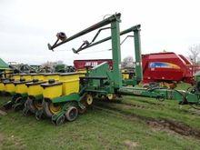 1999 John Deere 1770 Planters