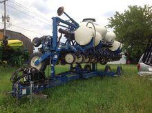 2011 Kinze 3600 Planters