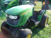 2011 John Deere 2320 Tractors