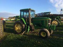 1993 John Deere 7600 Tractors