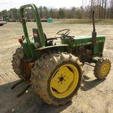 JOHN DEERE 750 Tractors