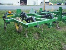 2015 John Deere 610 Plows