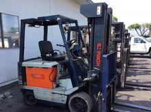 KOMATSU FB25SH-4 Forklifts