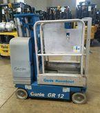 2005 Genie GR-12 Work platforms